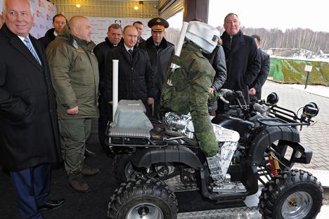 El Centro de Estudios Avanzados presenta un nuevo robot dirigido por control remoto. Fuente: Mijaíl Kliméntiev / RIA Novosti