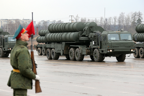 Rusia es el segundo país que más armas vende en la región pero China se presenta como un nuevo competidor. Fuente: Ria Novosti / Vitali Beloúsov