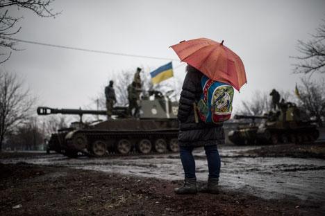 Se acumulan las dificultades para implementar los acuerdos de Minsk. El deseo de evitar más problemas económicos es el principal estímulo para mejorar la situación. Fuente: AP