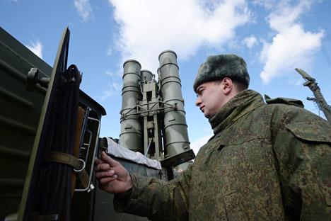 """Presidente russo incumbiu Ministério da Defesa de """"não permitir a superioridade espacial sobre a Rússa"""". Foto: Kirill Kalínnikov/RIA Nóvosti"""