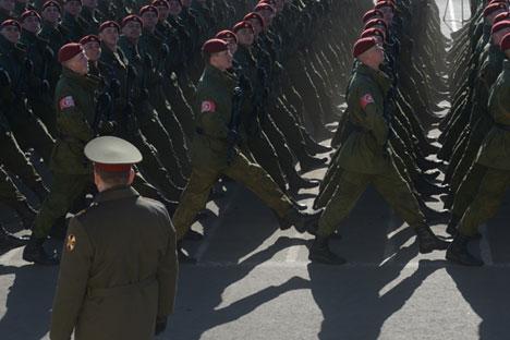 Gastos militares da Rússia no ano passado aumentaram 8,1% em comparação com 2013 Foto: Grigóri Sissoiev / RIA Nóvosti