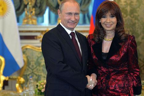 Vladímir Putin y Cristina Fernández en el encuentro que mantuvieron en el Kremlin. Fuente: RIA Novosti.