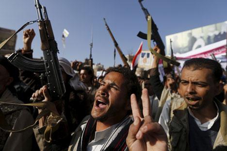 Los acontecimientos en el país árabe y los bombardeos de Arabia Saudí abren un nuevo foco de desestabilización en la zona. Rusia pide diálogo a las partes. Fuente: Reuters