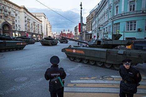 Tanque Armata en el centro de Mosú durante el ensayo del Desfile de la Victoria. Fuente: AP