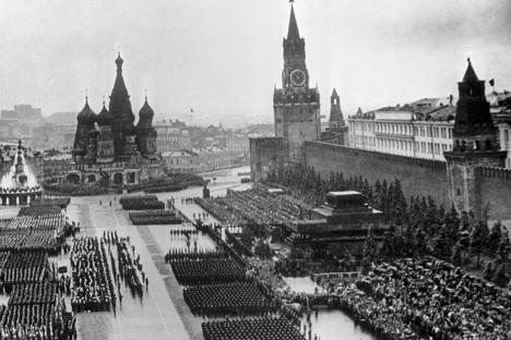 Desfile de la Victoria en la Plaza Roja de Moscú el 24 de junio del 1945.