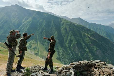 La protección de los más de 20.000 km de tierra fronteriza requieren una vigilancia constante. Fuente: Ria Novosti / Ruslán Vajáev