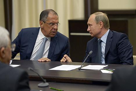 Vladímir Putin junto a Sergey Lavrov.