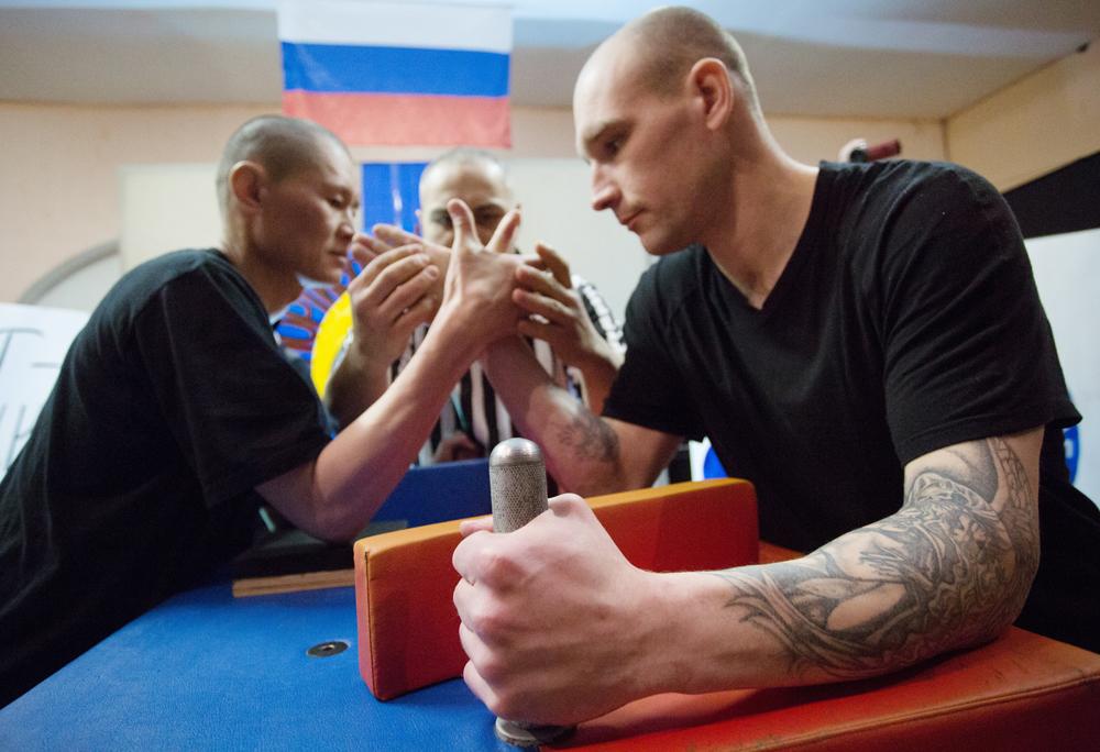 Competiciones de pulsos en una cárcel rusa