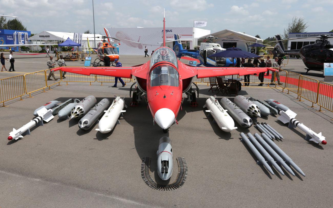 Uruguay puede decidirse a comprar a Rusia los nuevos aviones de entrenamiento Yak-130.