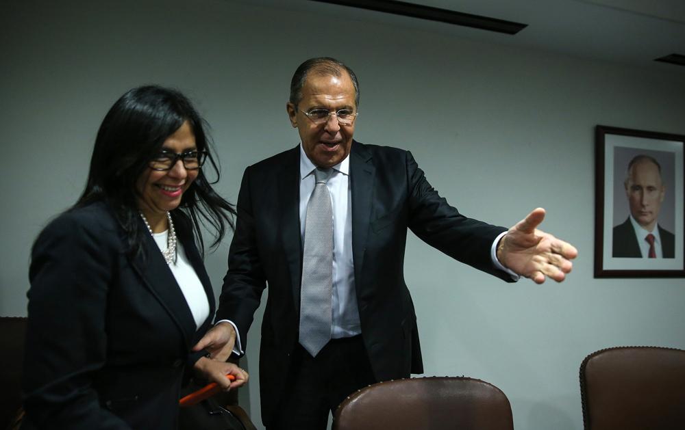 Los ministros de Exteriores de Rusia y Venezuela, Serguéi Lavrov y Delcy Rodríguez.