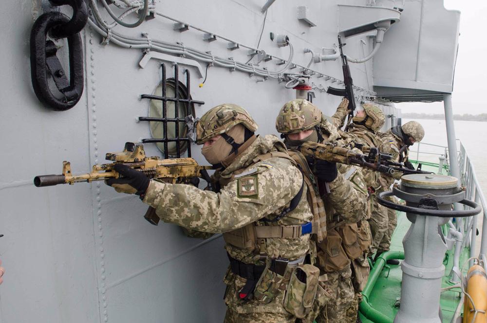 Tentara Ukraina didakwa menembakan senjata mereka ke wilayah Rusia pada 2014.