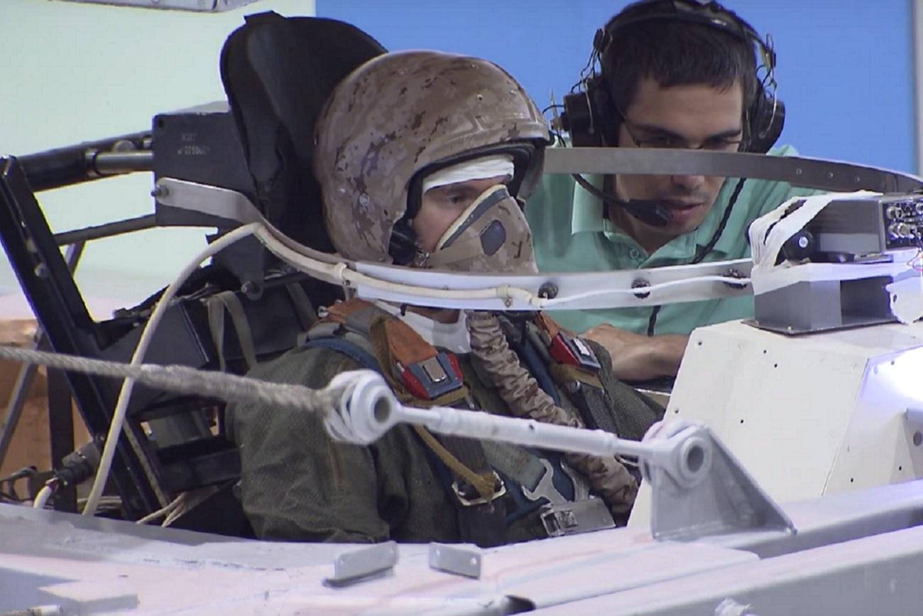 El nuevo traje de los pilotos del T-50.