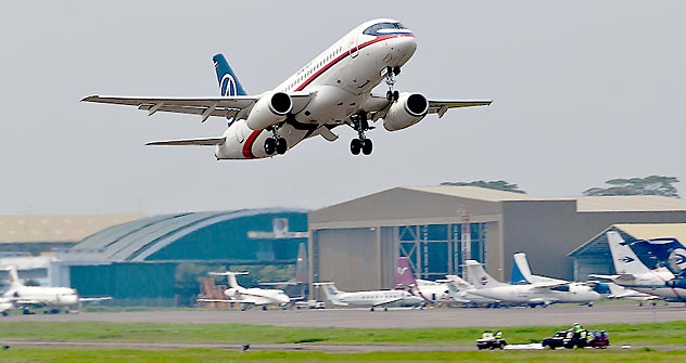 L'avion Sukhoi SuperJet-100. Crédit photo: AP