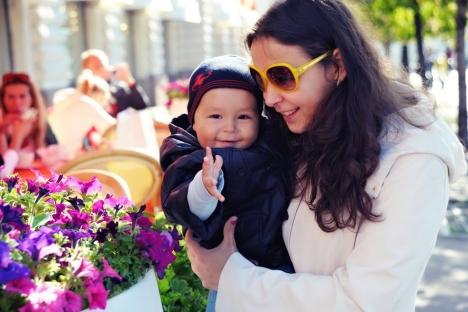 Evguenia Lazareva avec son fils Fedor. Source: service de presse