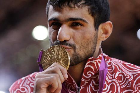 Arsen Galstian: «Je me suis préparé très longtemps à ces Jeux, j'ai effectué des séances d'entraînement très dures, et toutes mes pensées étaient uniquement concentrées sur la médaille d'or». Crédit photo: AP