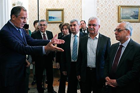 Le ministre russe des Affaires étrangères Sergueï Lavrov a rencontré mercredi à Moscou une délégation du Conseil national syrien (CNS). Crédit photo: AP