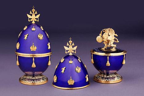 L'oeuf «Les 400 ans de la Maison Romanov» est orné de diamants, de rubis et d'émail de saphir. Source: Service de presse