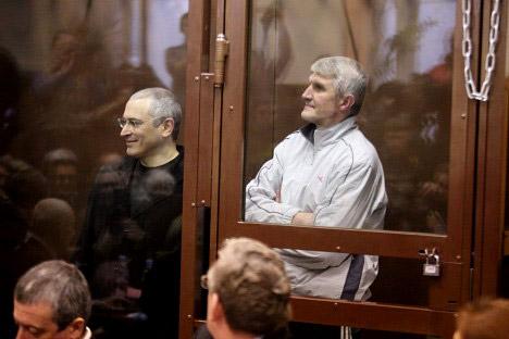 Fin 2010, le tribunal Khamovniki a condamné Khodorkovski et Lebedev à 14 ans de prison chacun sur l'accusation de vol de détournement de 200 millions de tonnes de pétrole et de blanchiment d'argent. Crédit photo: RIA Novosti