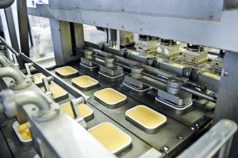 Karat occupe la deuxième place du marché russe des fromages à pâte fondue avec 21% (le premier rang revenant au finlandais Valio) et sur celui de fromage blanc, détenant 14% (l'allemand Hochland étant le leader). Crédit: Itar-Tass