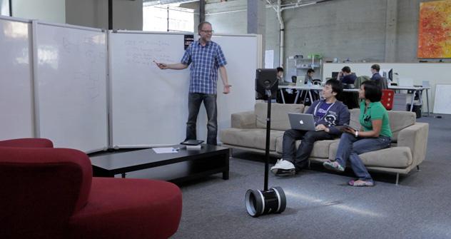 Le Double pèse environ 7 kilos et aura une autonomie de maximum huit heures. Source: doublerobotics.com