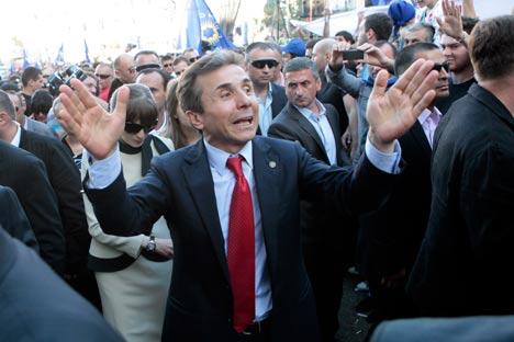 Le bloc d'opposition du milliardaire Bidzina Ivanishvili, Rêve géorgien, a remporté les élections législatives en Géorgie. Crédit: AP
