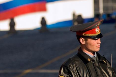 Selon le nouveau projet de loi, la police militaire sera autorisée à mener des enquêtes pour des petits et moyens délits. Crédit: AFP/Eastnews