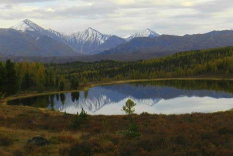 Perdu pendant des siècles dans les gorges montagneuses entre le Kazakhstan, la Chine et la Mongolie, l'Altaï abrite le plus haut mont de Sibérie, le Mont Belukha. Crédit: Emmanuel Grynszpan