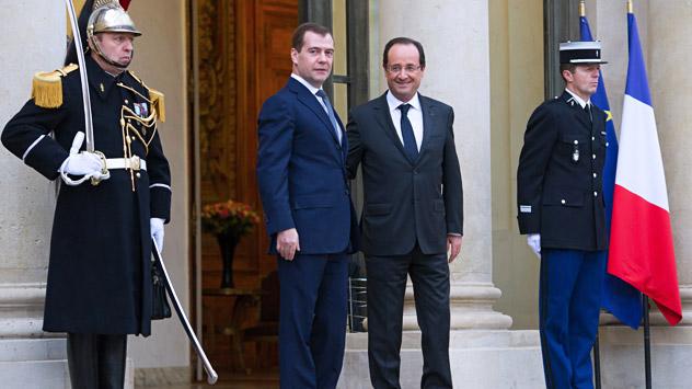 François Hollande reçoit Dmitri Medvedev à l'Elysée, le 27 novembre 2012. Crédit: AFP/East News