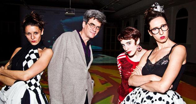 Pholippe Découflé et ses danseuses. Source: service de presse de la salle d'exposition du Manège de Moscou