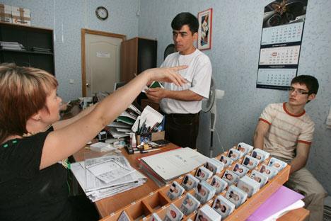 « Le travail immigré sera un peu plus coûteux. Les immigrés ne vont pas acheter des assurances très chères ». Crédit photo: Kommersant photo