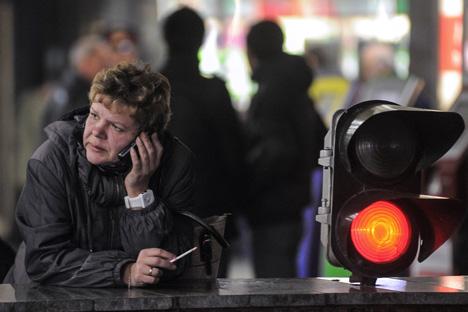 Curieusement, une majorité de Russes se prononce contre l'interdiction complète de fumer dans les lieux publics. Crédit photo : Vladimir Astapkovich / RIA Novosti