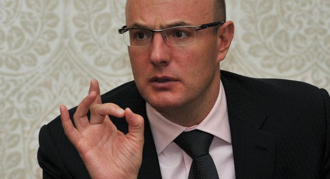 """Dmitri Tchernychenko : """"La loi fédérale prévoyant des amendes de plusieurs millions pour les organisations et les individus essayant de spéculer sur le prix des billets a été adoptée."""" Crédit : RIA Novosti"""
