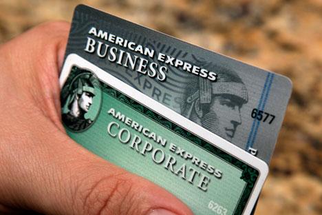Une source chez American Express a indiqué à RBC Daily que la décision d'arrêter les opérations avec les chèques avait été prise en concertation avec Sberbank. Crédit : AP