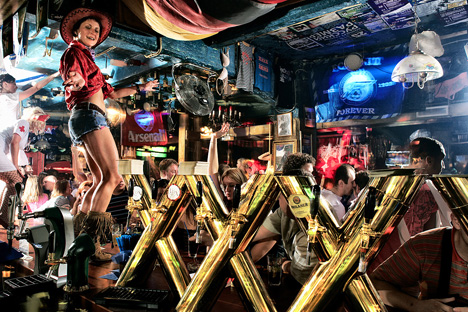 Pour faire la tournée des bars, rendez-vous rue Doumskaïa, rue de la soif locale. Source: Service de presse