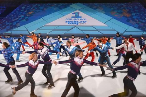 Scène d'une cérémonie se déroulant à Sotchi exactement un an avant l'ouverture des  Jeux olympiques d'hiver 2014. Crédit photo : Kommersant photo