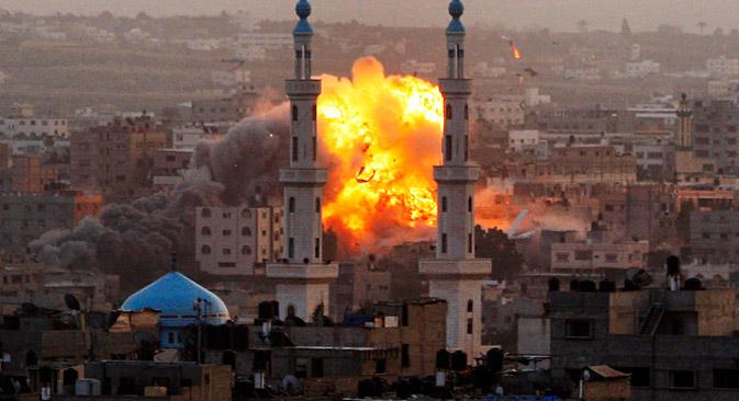 Le 17 novembre 2012, une explosion violente à Gaza. Crédit : AP