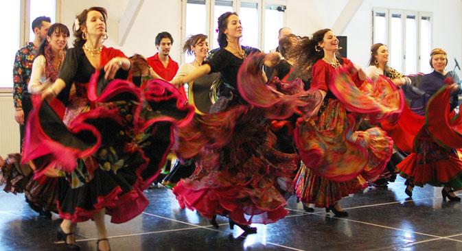Pétia Ïourtchenko : « La danse, ce n'est pas seulement la technique, tu y laisses entrer ta vie, ton histoir ». Crédit : Maria Tchobanov