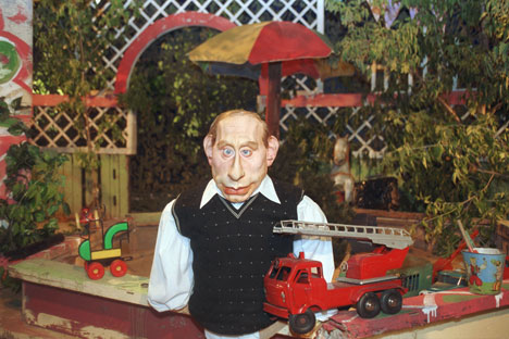 La poupée de Vladimir Poutine dans l'émission Koukly. Crédit photo : Kommersant photo