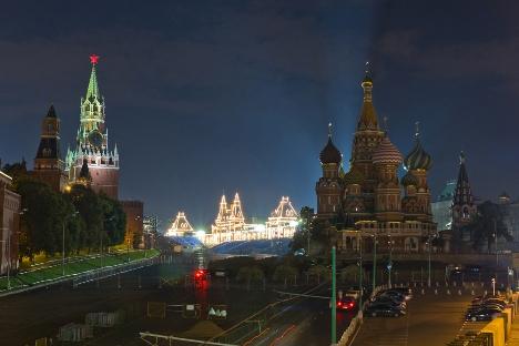 La Place Rouge s'étend tout le long d'un des murs du Kremlin de Moscou. Crédit : RIA Novosti