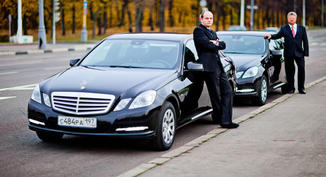 D'après M.Tchirkounov, le principal avantage de son projet consiste en ce qu'il permet aux compagnies fournissant le service de location de voiture avec chauffeur, d'accéder au marché de taxi et attirer ainsi des nombreux clients. Source : service de