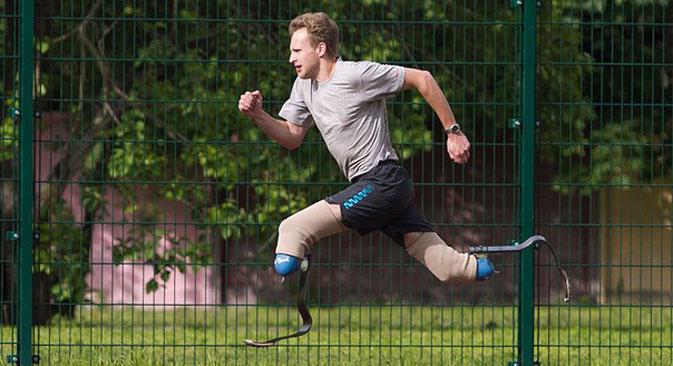 Sergej Alexandrow ist überzeugt: Man kann mit jeder Behinderung normal leben und noch dazu glücklich sein. Foto aus dem persönlichem Archiv