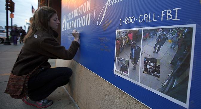 Le 15 avril, deux explosions se sont produites à 12 secondes d'intervalle près de la ligne d'arrivée du marathon international de Boston, faisant trois morts et au moins 183 blessés. Crédit : Reuters