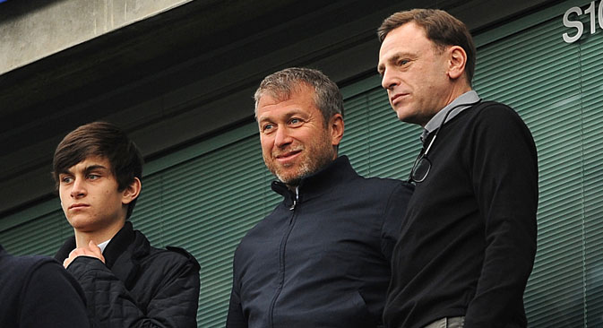 Roman Abramovitch (au centre) et sont fils Arkadi (à gauche). Crédit : Itar-Tass