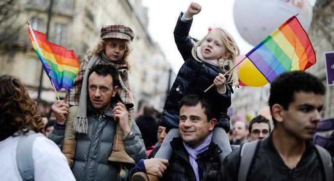 Parmi ces pays, les premiers à adopter des enfants russes, selon les statistiques de 2011, sont l'Espagne, la France et le Canada. Crédit : AFP/East News