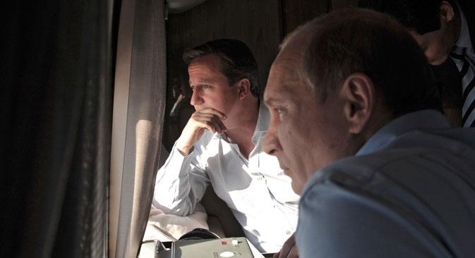 Le Royaume-Uni a décrété comme thème principal de sa présidence du G8 les enjeux de l'économie mondiale. Cependant, les responsables russes affirment que la priorité pour Moscou sera le problème syrien. Sur la photo : David Cameron (à g.) et Vladimir