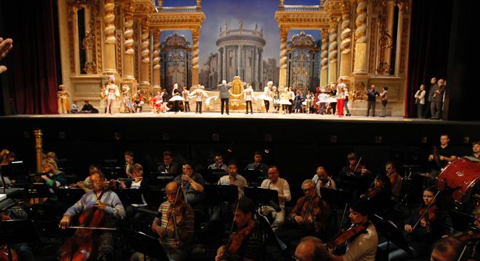 La répétition du ballet La Belle au Bois Dormant sur la scène du théâtre du Bolchoï. Crédit : PhotoXPress