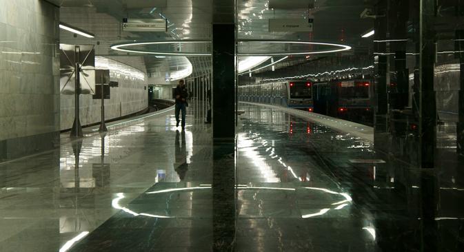 La station Piatnitskoïe Chaussée fait partie des six stations dont le quai est courbé. Crédit : Dmitri Berdassov