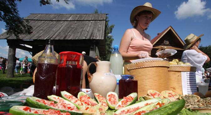Au XIIIe Festival international du concombre de Souzdal, on pourra goûter la confiture de concombre, la soupe de concombre, la roulette avec du concombre et d'autres plats dont les recettes n'ont pas beaucoup changé en 500 ans. Crédit : RIA Novosti