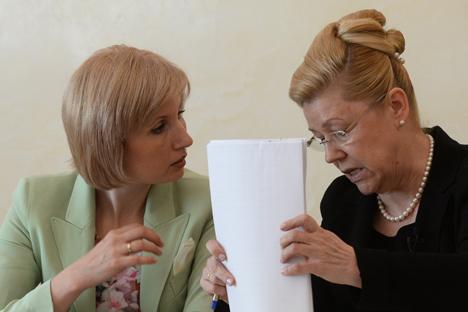 Olga Batalina (à gauche) et Elena Mizoulina. Crédit : Itar-Tass