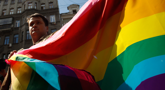 Some gays in Russia admit their homosexuality, others hide it. Source: Reuters